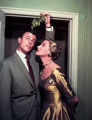 2 mistletoe-kiss